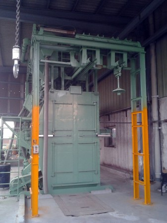 T' Hanger Type Monorail Shot Blasting Machine